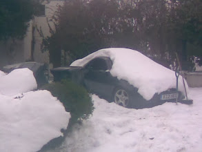 Photo: Compare and contrast with the garage forecourt photo. I think somebody's engine would have been frozen..