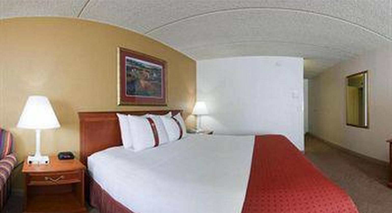 Clarion Hotel Campus Area Eau Claire