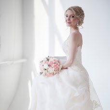 Wedding photographer Alena Rastaturina (vedviga). Photo of 17.06.2015