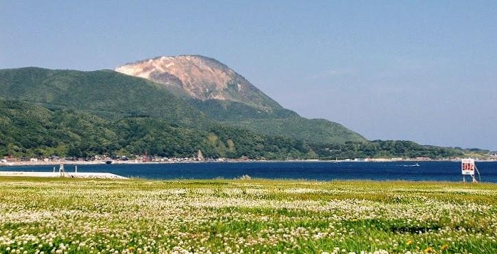 函館 恵山を行く