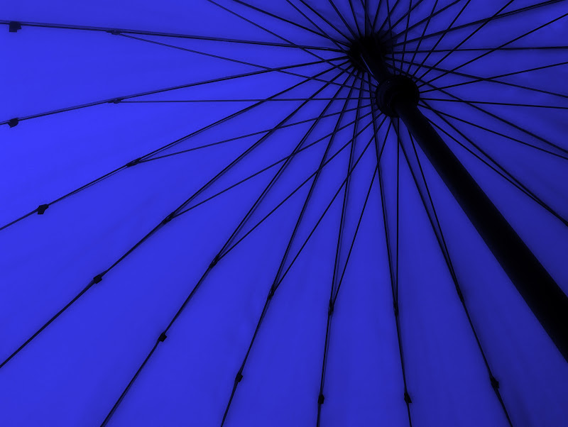 Sotto l'ombrellone di Cenati Gino