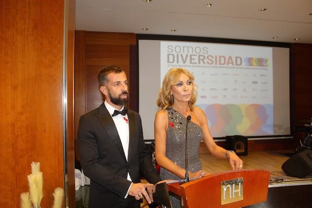 Fran Torres y Mar Segura presentando la gala.