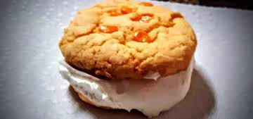 Creamsicle whoopie pies w/ marshmallow filling