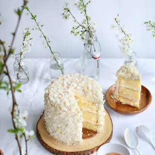 White Chocolate Coconut Cake + 2 Years Of Blogging.