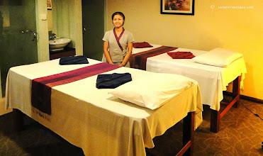 Photo: Beautiful Lao girl massage. http://www.accommodationnear.net/Laos/Vientiane/Don_Chan_Palace_Vientiane