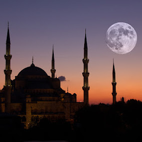 Blue Mosque & Blue Moon  by Klemen Ramoves - Buildings & Architecture Statues & Monuments