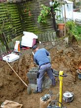 Photo: nebenbei wir hier wird hier für das Fundament gemauert