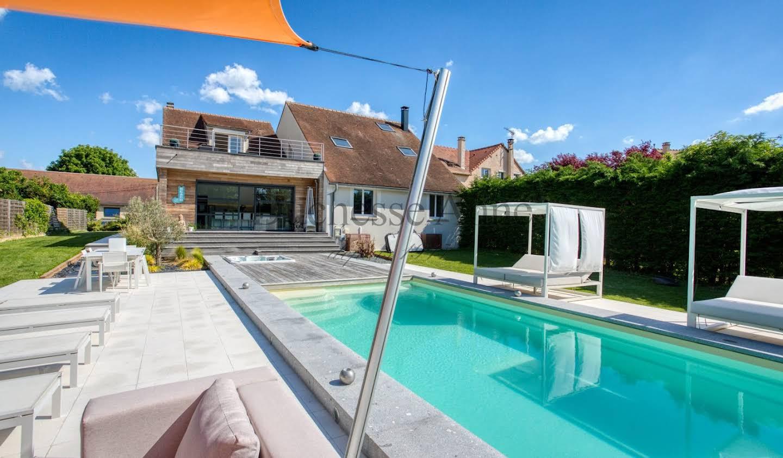 Maison avec piscine et terrasse Thoiry