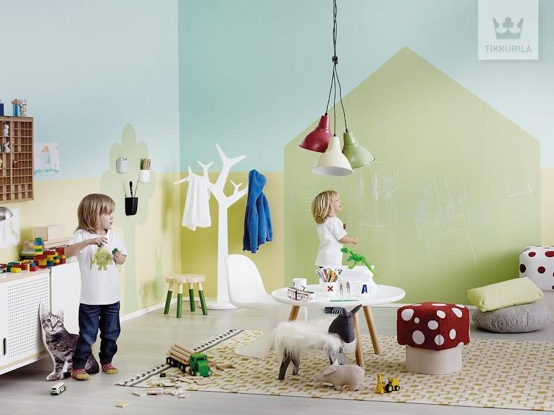 Oryginalna aranżacja ścian w pokoju dziecięcym, z farbą tablicową