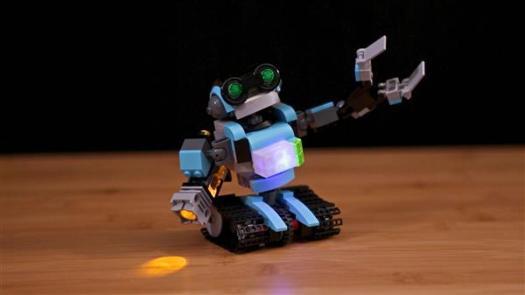 легкие кирпичи Lego и трехмерная печатная версия могут сочетаться друг с другом для создания интересных комбинаций освещения