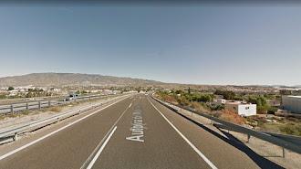 La vía A-7 a su paso por Huércal de Almería.