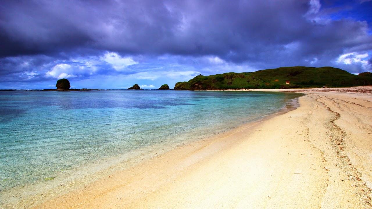 Побережье Куты заманивает своими желтыми пляжами и кристально чистой водой Индийского океана