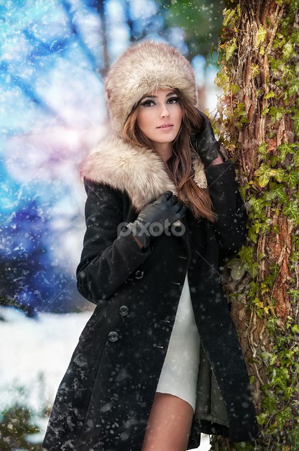 winter shoot by Iancu Cristi - People Portraits of Women ( fashion )