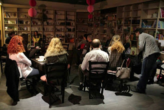 Photo: Knjižna predstavitev založbe Ekslibris, kavarna in knjigarna Barabuk. (Foto Manca Čujež)