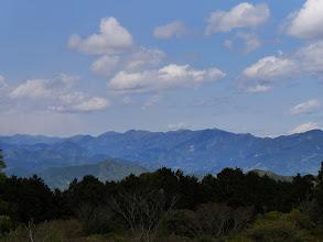 安倍東山稜(右から竜爪山・真富士山・青笹山・従妹山・大光山・八紘嶺など)