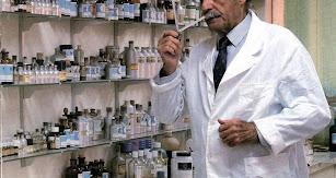El experto perfumista Antonio López Jiménez.