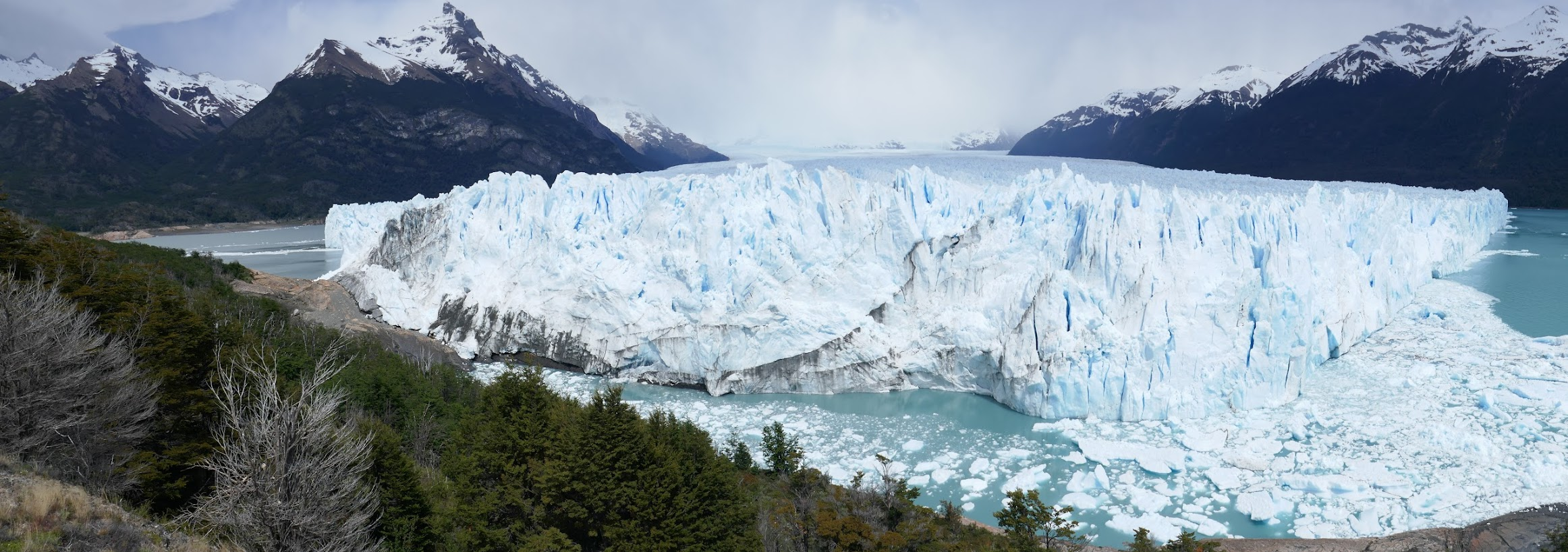 Panoramic view of the glacier