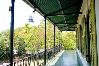 Photo: Ernest Hemingway House and the old lighthouse at Key West
