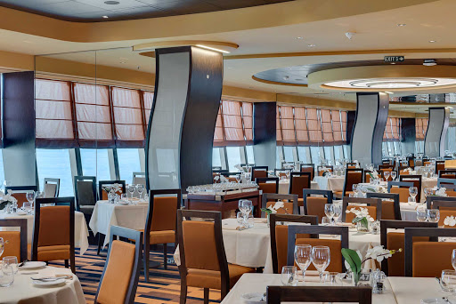 msc-meraviglia-ristorante-panoramico-2.jpg -    Panorama Restaurant in the aft part of MSC Meraviglia on deck 6 serves as one of the main dining rooms and offers great views.