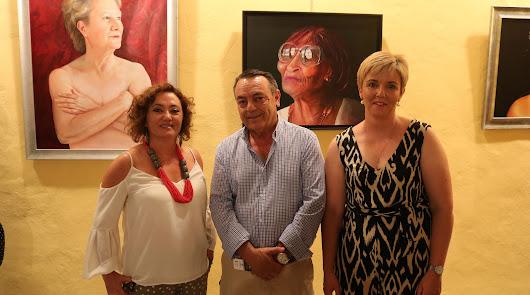 Emilia Resina Portaz expone en Lúcar su obra pictórica 'Emociones'