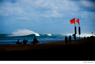 Photo: North Shore, Oahu. Photo: Lowe-White #surfer #surferphotos
