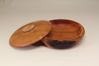 "Photo: Jeff Tate 7"" x 2"" box [Bradford pear]"