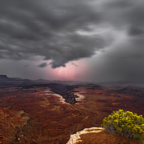 Thunderstorm coming by Qing Zhu - Landscapes Weather ( clouds, desert, thunderstorm, nature, lighting, canyon, weather, landscape, storm, canyonland )