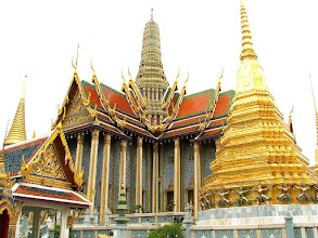 Photo: Bangkok, Wat Phra Kaew, the Royal Pantheon