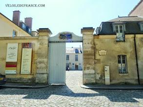 Photo: Hôtel des Menus plaisirs du Roi à Versailles, siège des Etats Généraux en 1789 - e-guide balade à vélo de Versailles à Meudon par veloiledefrance.com