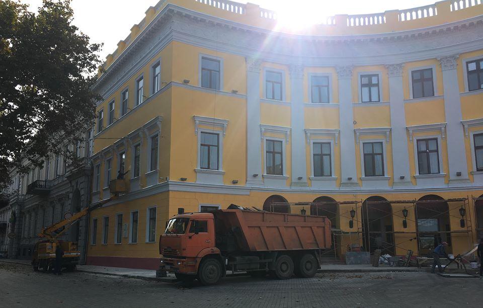 В Одессе завершилась реставрация памятника архитектуры на Приморском бульваре (фото) - 2