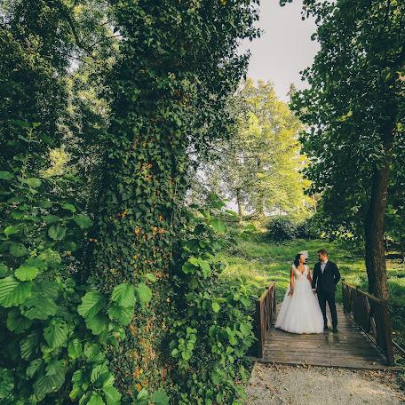Wedding photographer Claudiu Boghina (claudiuboghina). Photo of 11.09.2017