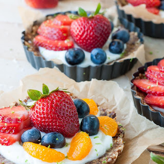 Healthy No-Bake Coconut Lime Fruit and Yogurt Tarts