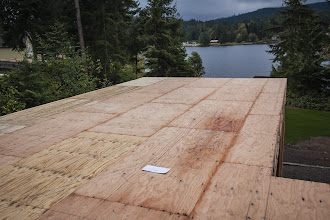 """Photo: 14"""" I-Joist rafters will land on top of the  6 3/4"""" x15"""" GLB"""
