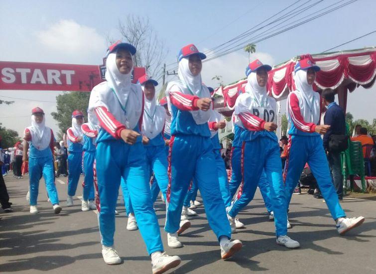 Gerak jalan tradisional di Ngawi