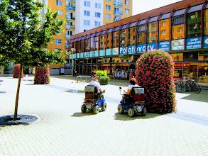 Photo: Местные инвалиды в колясках нового поколения