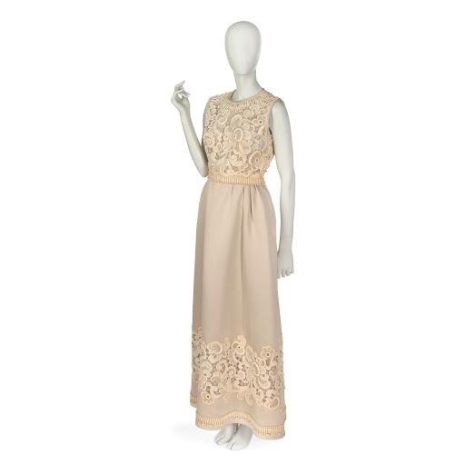 e47aec01 Evening dress in beige silk twill and heavy guipure beige cotton lace -  Pierre Balmain — Google Arts & Culture