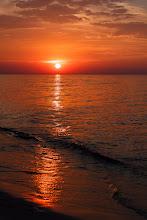 Photo: Bloody sunset  #seascapephotography  #sunsetphotography  #landscapephotography  #sun  #red  #sea