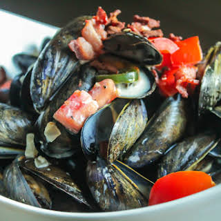 Mussels With Cream And Bacon Recipes.