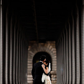 infinite dance by Jacques Mateos - Wedding Groom ( wedding photographer france )