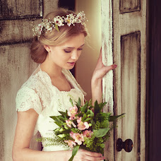 Wedding photographer Yuliya Antusheva (LilitBronte). Photo of 03.04.2014
