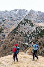 Photo: Pe faţa nordică a Coştilei, valea Priponului şi valea Caprelor