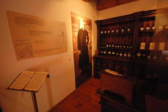 Photo: Ignacy Łukasiewicz nie tylko był wynalazcą lampy naftowej i przemysłowcem - był także bardzo znanym farmaceutą