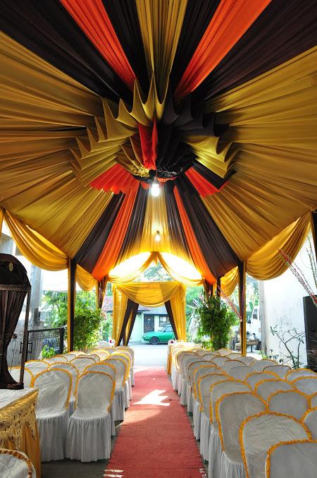 Tenda pernikahan modifikasi sentris modern