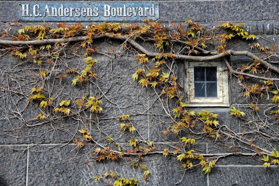 Kopenhaga, Hans Christian Andersen Boulevard