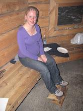 Photo: Iris kwam na het eten zelfs met haar voetjes van de grond, maar daar hebben we even een stokje tussen gestoken. Goed gegeten na alweer een unieke dag! Stilaan tijd om te gaan slapen alweer.