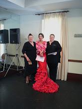 Photo: Matilde Coral, Rocio Coral i Małgorzata Matuszewska po rozdaniu dyplomów kończących kurs bata de cola