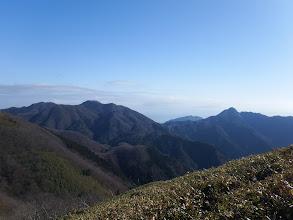 御在所岳(左)と鎌ヶ岳(右)
