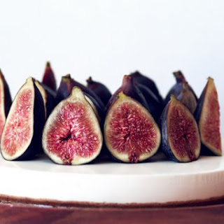 Gluten-Free Cheesecake with Fresh Figs and Honey.