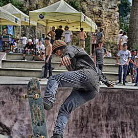 Up'n Down by Marco Bertamé - Sports & Fitness Skateboarding ( skateboarding, skateboard,  )