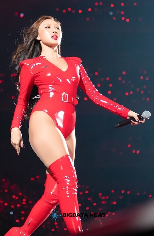 10-Pictures-Of-MAMAMOOs-Hwasa-In-Bodysuits-That-Will-Inspire